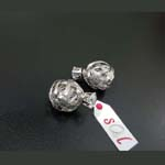 Exquisite Earring with Double Sided in Silver Metal